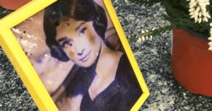 永遠の名女優オードリー・ヘップバーンが眠るお墓を訪ねてきた。スイスの田舎町・トロシュナ村へ