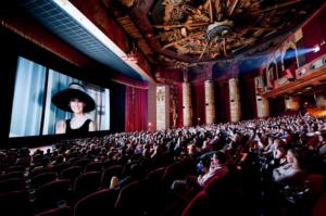 超豪華!世界の高級映画館10選!日本では体験できない驚きの体験とは?